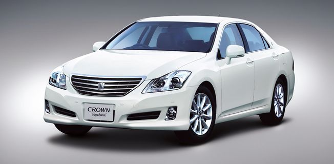 Toyota Crown 2.5 Royal (2011-)
