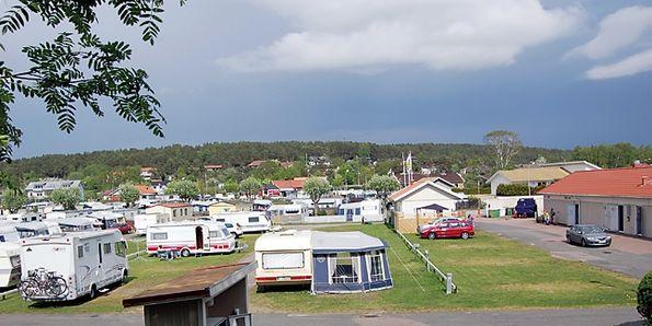Campa nära havet i Åsa