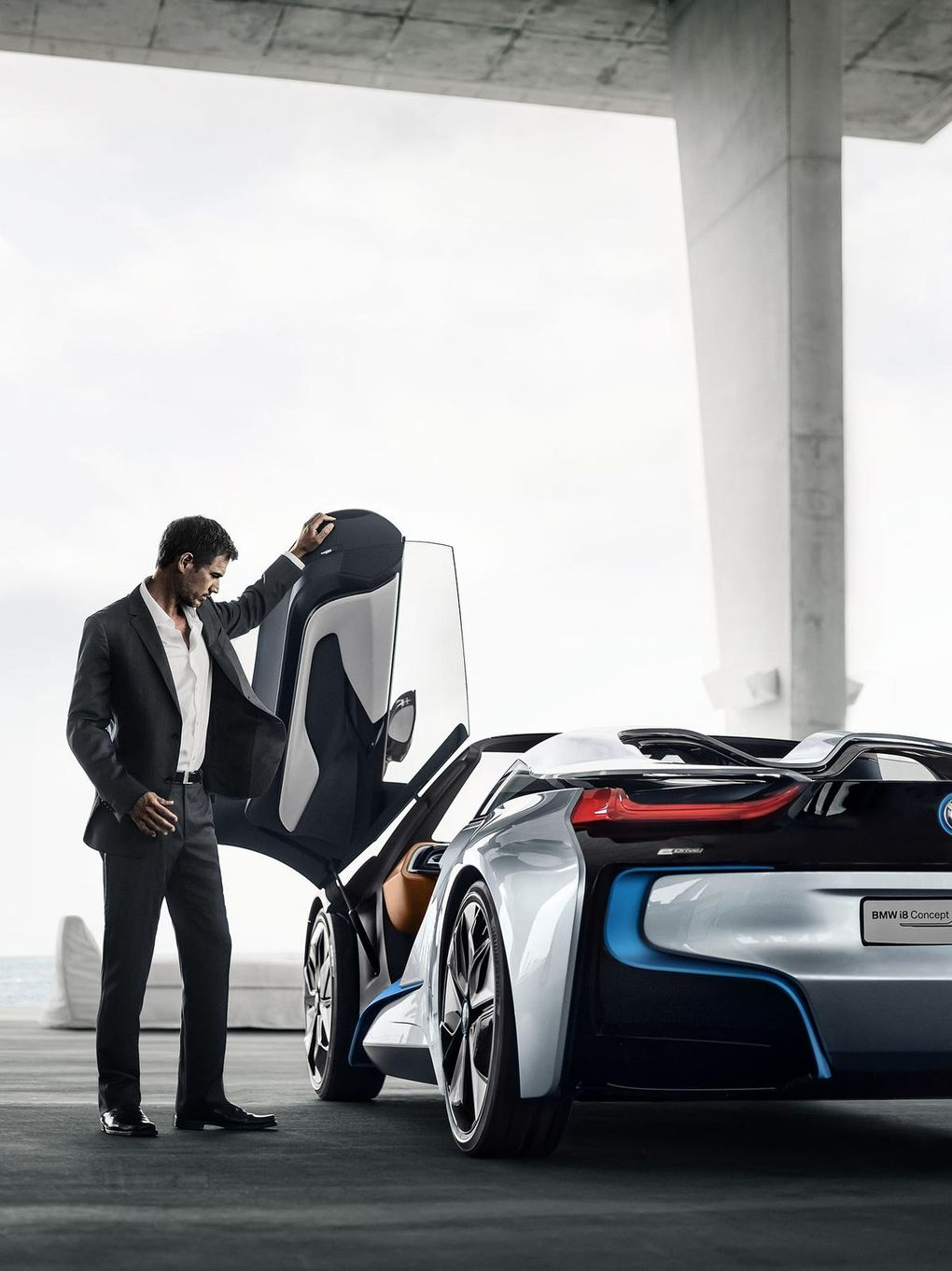 BMW_i8_Spyder_21_big.jpg