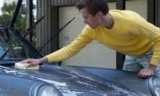 Tvätta bilen hemma – böta 10 000 kronor