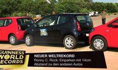 Världsrekord i fickparkering – 14 centimeter