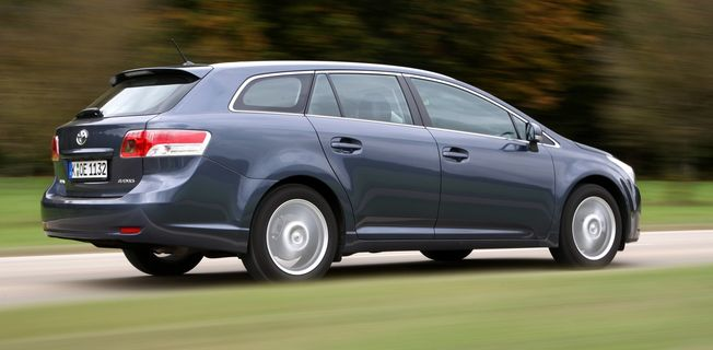 Toyota Avensis Combi 2.2 D-CAT (2011-)