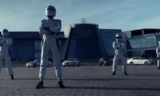 Mercedes-Benz World har eget uppvisningsteam