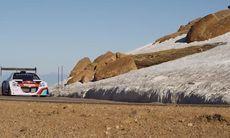 Sébastien Loeb testar på Pike's Peak med Peugeot