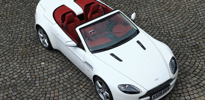 Aston Martin V8 Vantage Roadster (2011-)
