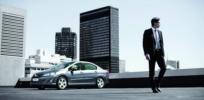 Peugeot 408 2.0 (2011-)