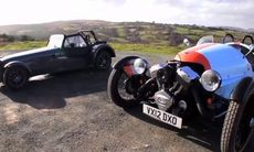 Film: Caterham Seven mot Morgan 3-wheeler