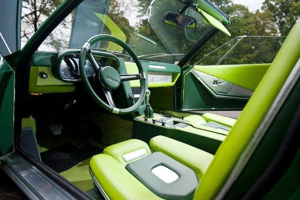 Limegrön inredning? det kan man vänja sig vid, i alla fall på en BMW Spicup.