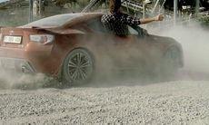 Märkligaste reklamfilmen för bilar – någonsin?