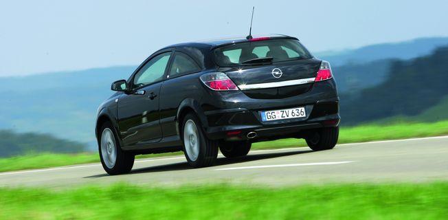 Opel Astra GTC 1.6 Turbo (2011-)