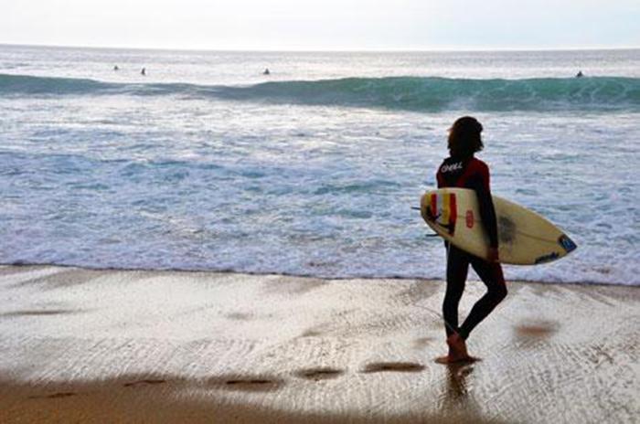 Surfare lever farligt