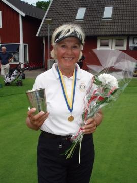 Helen alfredsson i topp efter 66 slag