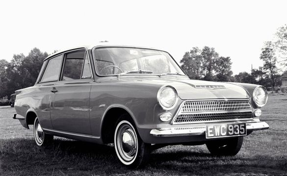 September 1962 - den nya modellen Ford Cortina.