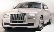 Rolls-Royce visar dubbelt nytt i Kina