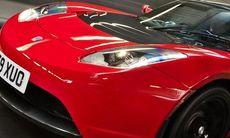 Tesla planerar eldriven superbil