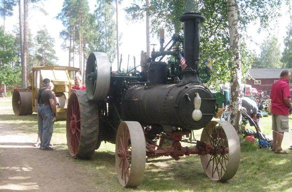 Rubens maskinhistoriska samlingar hade Sverigepremiär på Motorns dag med sin New Case lokomobil från 1904. Foto: Ewald Ekman