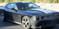 Spion: Dodge Challenger SRT8 Hellcat