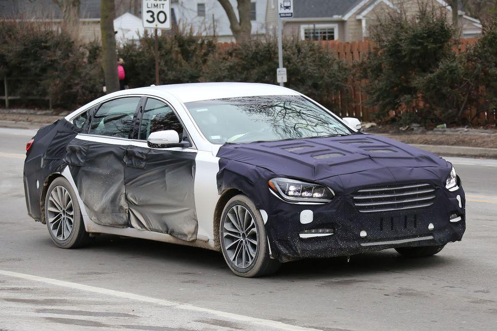 Hyundai Genesis sedan är snart redo för en uppdatering. 2015 kommer vi få se den på vägarna. Klicka för fullstorlek!