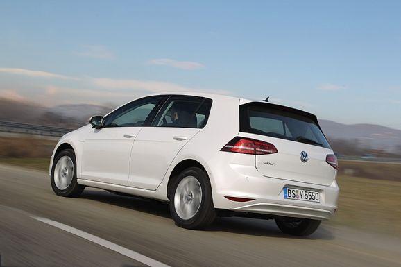 Volkswagen_e-Golf_2013_produkcni_verze_02_800_600.jpg