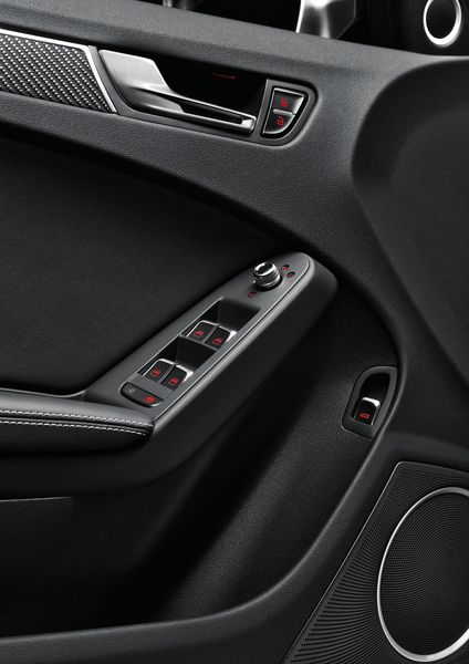 Audi_RS4_09_big.jpg