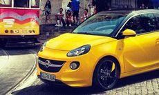 Live: Huldt provkör nya Opel Adam