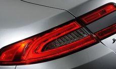 Jaguar satsar på fyrhjulsdrift i XJ och XF