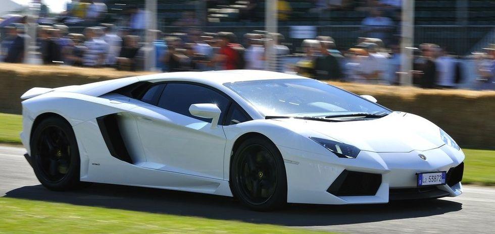 Ägandekostnaderna för superbilsägare har chockhöjts. Årsskatten för en Lamborghini Aventador har ökat till 72.000 kronor – en höjning med 57.000 kronor.