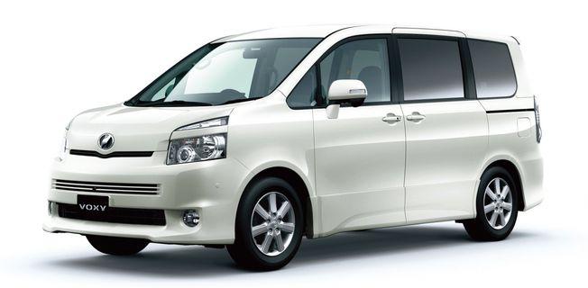 Toyota Voxy 2.0 (2011-)